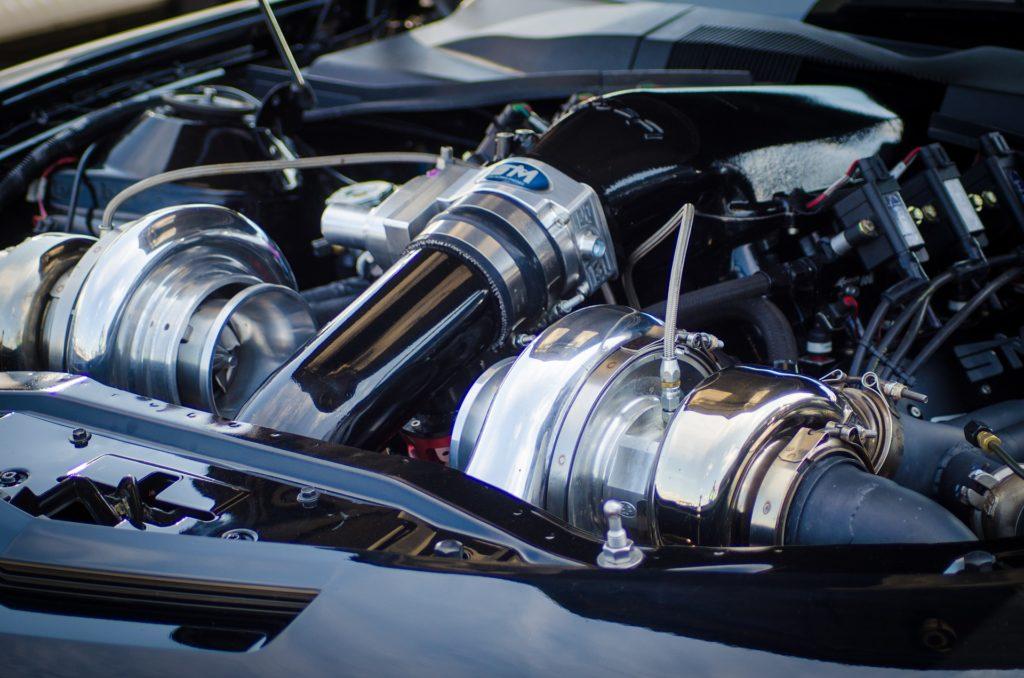 ツインターボエンジン